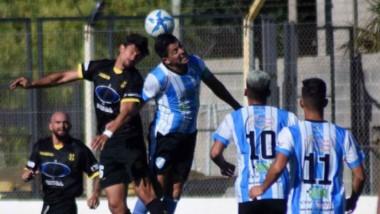 """El """"Aurinegro"""" debía ganar en su casa y lo hizo. Fue por 2-1 y la serie quedó abierta. Madryn venía de dejar en el camino a Independiente de Neuquén."""