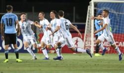 El festejo argentino ante Uruguay, por el golazo de Maroni, gran remate de media distancia.