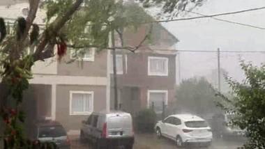 Lluvia en Madryn. El temporal duró pocos minutos pero tuvo  una gran intensidad.