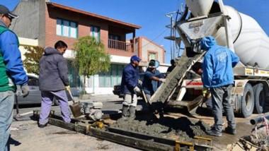 Obras. Los trabajos llevados adelante para el pavimento de las calles en diferentes sectores de la ciudad.