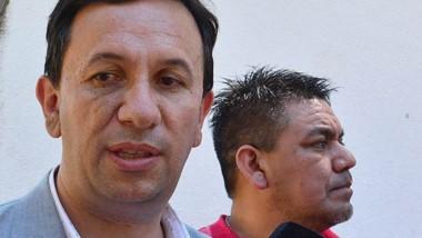 El intendente, acompañado por el dirigente camionero Luis Collio.