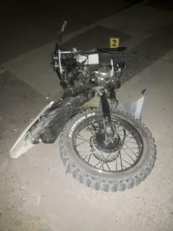 El motociclista sufrió heridas graves en el accidente