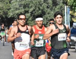 Joaquín Arbe, a la izquierda, ganó la pasada edición e intentará defender el título hoy en Comodoro Rivadavia.