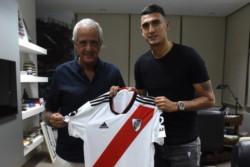 Después de algunas idas y vueltas, River oficializó anoche la llegada de Suárez.