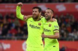 Leo jugó, marcó y el Barcelona venció al Girona para continuar como líder de La Liga tras 21 fechas.