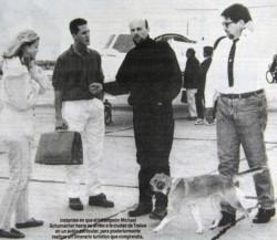Con esta imagen abría el suplemento deportivo de Jornada la visita de Schumacher a Chubut en 1996