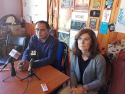 Funcionarios y referentes de la comunidad reunidos con autoridades de salud