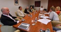 Los funcionarios de Economía se reúnen con la comisión de receso de Legislatura