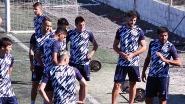 El plantel de Guillermo Brown, que dirige Luciano Theiler, tuvo ayer su primer día de entrenamiento luego del receso por las fiestas.
