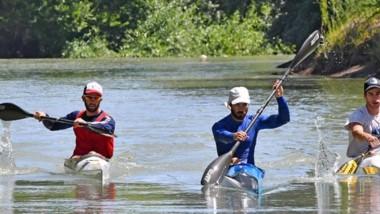 Palistas de Trelew, Rawson y Gaiman remaron ayer en el Río Chubut.