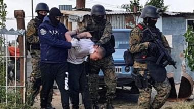 Enzo Uranga fue capturado ayer a la mañana. En el lugar se secuestraron, además, armas y municiones.