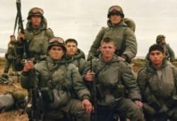 Edward Denmark dice que se comete una injusticia con los soldados argentinos que estuvieron en el continente en 1982.