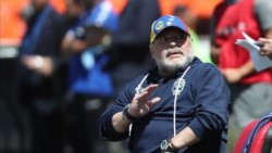 Maradona entrenó con Gimnasia a puertas abiertas.