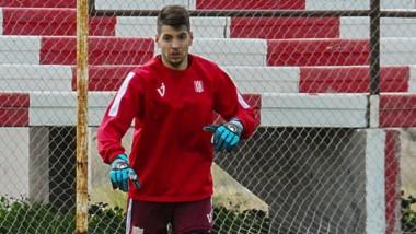 """Nicolás Cottet, arquero de la """"Academia"""", efectuó críticas a la dirigencia de Racing Club de Trelew."""