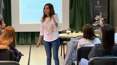 La licenciada Alejandra Muga dictó una charla sobre Discapacidad.