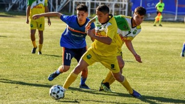 La Ribera  venció por 1-0 a la CAI de Comodoro Rivadavia, uno de los favoritos, en condición de visitante. (Gentileza: Diario Cronica Comodoro)