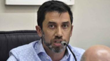 Juan Duarte, concejal por UyO, planteó la necesidad de seguir contando los vuelos comerciales en  Madryn.