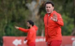 Gabriel Milito seguirá siendo el entrenador de Estudiantes, pero una derrota en Santiago del Estero será determinante en su continuidad.