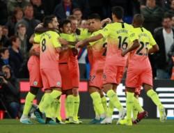 Manchester City derrota al Crystal Palace y acorta la brecha con el líder Liverpool.