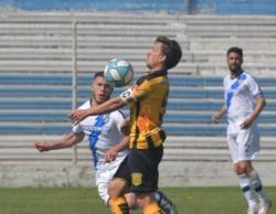 Alessandroni, el capitán de Mitre, fue uno de los puntos altos del equipo visitante.