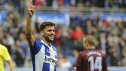 Debut goleador de Lisandro Magallán en Alavés para el triunfo del blanquiazul.