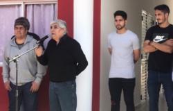 Hugo Moyano inauguró instalaciones junto a su hijo Pablo, y los jugadores Nicolás Figal y Martín Benítez.
