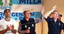 El secretario general de la Federación Argentina Sindical del Petróleo, Gas y Biocombustibles, Pedro Milla (centro) anunció el apoyo a la fórmula F-F.