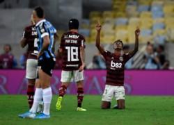 Bruno Henrique marcó el primero. Flamengo goleó 5-0 a Gremio y con un global de 6-1 se metió en la gran final.