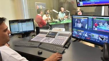 El programa que conducen Federico Sánchez y Luly Barcia con la operación técnica de Luciano  De Maio abrieron la programación en vivo junto  a Esteban Galo y Diana Owen.