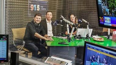 El intendente Adrián Maderna fue parte de la programación especial por los los 30 años de la emisora Cadena Tiempo.