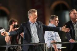 """En busca del milagro, Macri culminó las marchas del """"Si se puede"""" en Córdoba."""