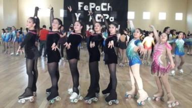 """Las patinadoras de la escuela """"Olas del Sur"""" de Comodoro participaron del evento de la Federación."""
