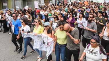 Mujeres, hombres y la familia entera volvió a expresar su reclamo de justicia ante el caso de femicidio.