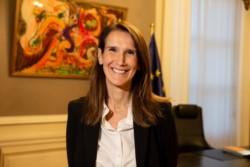 Sophie Wilmès se convertirá en la primera mujer primera ministra de Bélgica  tras el paso de Charles Michel al Consejo Europeo.