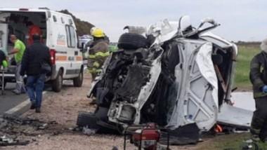 El choque entre un vehículo WV Polo y una camioneta VW Amarok se dio en el kilómetro 669 ayer a la tarde. (Gentileza: el rosalenio.com.ar)