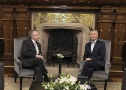 Comenzó la transición: Mauricio Macri se reúne con Alberto Fernández en la Casa Rosada.