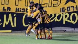 Gran triunfo de Mitre de Santiago del Estero, como local, derrotó 4-2 a Barracas Central.