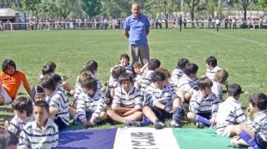 """Mañana se jugará un encuentro de veteranos en homenaje a """"Mongo""""."""