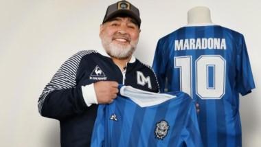 DM59: Gimnasia y Le Coq Sportif celebran a Diego Maradona.