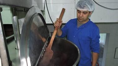 Sabor típico. Las dulcerias industrializan la producción de frutas finas de la Comarca Andina.