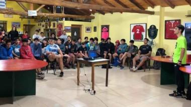 Gabriel Heredia brindó una charla sobre Asperger en instalaciones de Draig Goch, con gran participación.