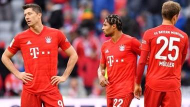 Bayern Munich no pudo en en el Allianz Arena y perdió 2-1 ante Hoffenheim en la Bundesliga.