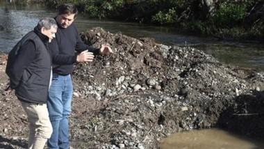 Prioridad. Las obras hídricas ocupan la gestión de Raúl Ibarra en Lago Puelo.