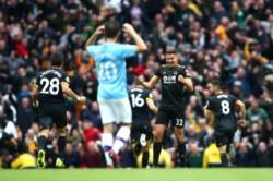 Manchester City no perdía en casa desde diciembre del año pasado. Hoy perdió contra el Wolverhampton (0-2) y se aleja a 8 puntos del Liverpool.