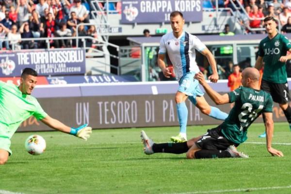 """Palacio marcó para Bologna y el """"Tucu"""" Correa falló un penal sobre la hora."""