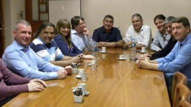 Dirigentes de la UCR se reunieron con los candidatos.