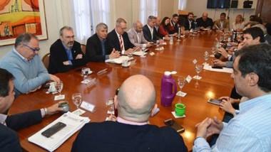 Ayer el gobernador Mariano Arcioni encabezó la reunión con todo su equipo de gabinete.