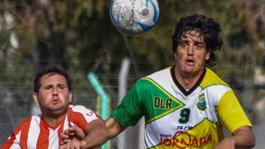La Ribera perdió en el estreno del torneo en condición de local ante Racing Club por 2-1, en El Tehuelche.