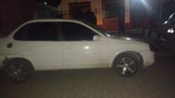 La policía detuvo al acusado y secuestró el auto. Esperan una orden para requisar el vehículo