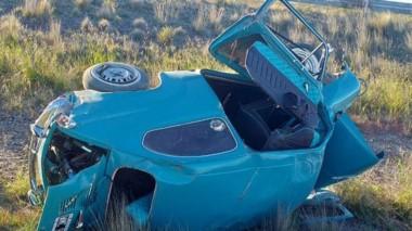El automóvil con daños a metros del Instituto Penitenciario Provincial